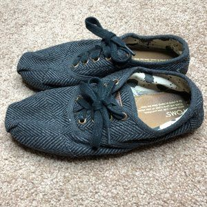 Toms Charcoal Gray Lace Up Cordone Sneakers